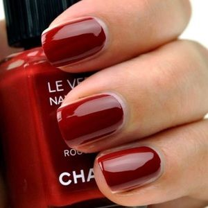 CHANEL 487 polish rouge fatal red vampy